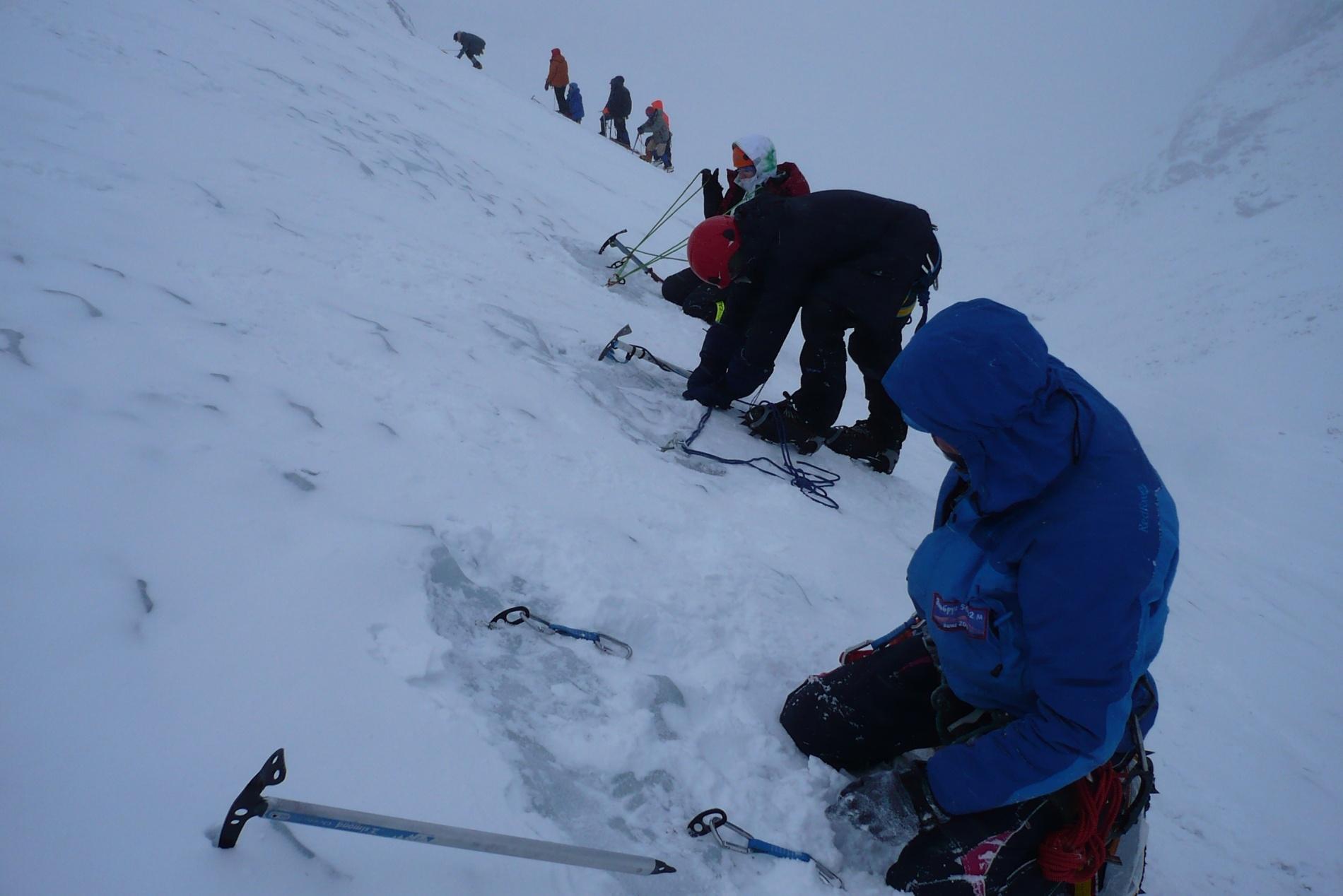 Подготовка станций на льду