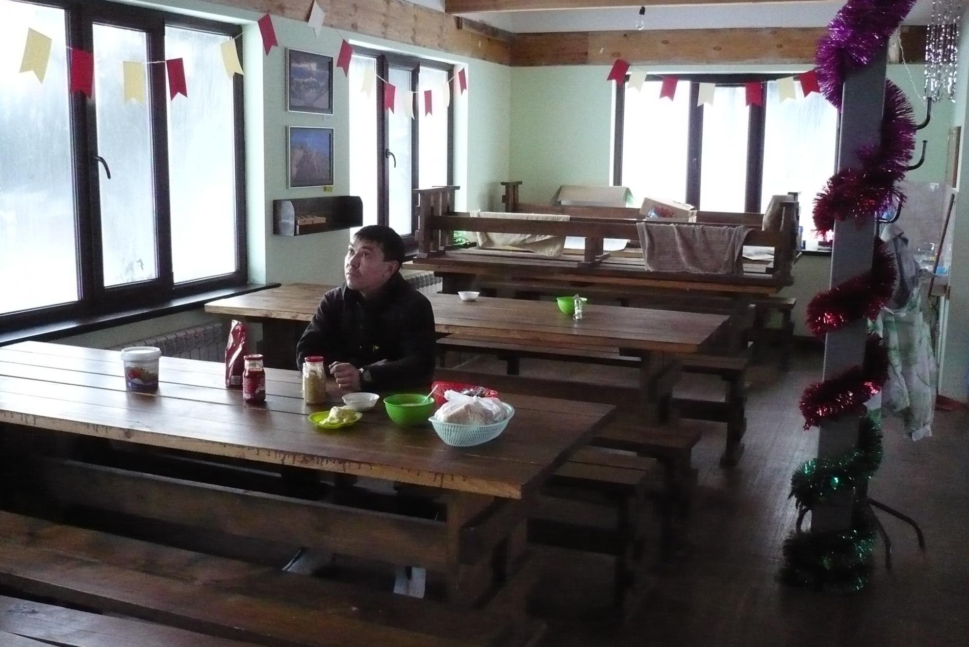 В столовой альплагеря Туюк-Су