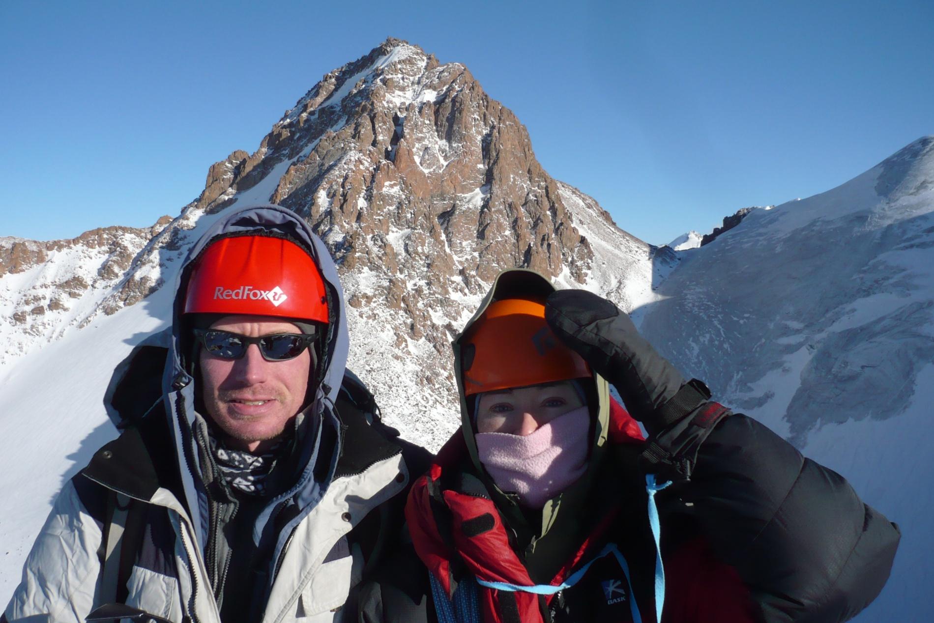 На вершине Пионер (4 031 м)