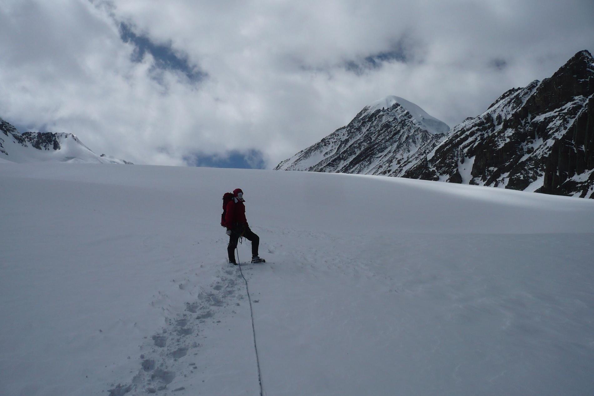 На леднике Большой Актру-левый