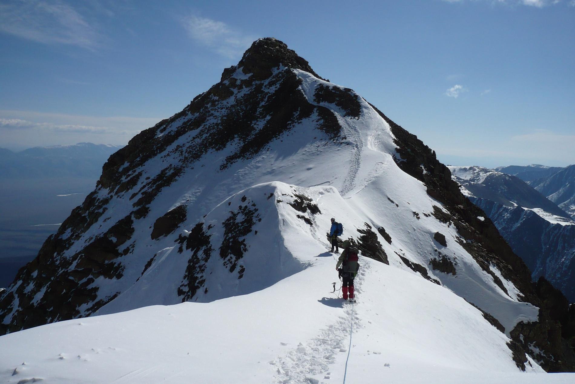 На подходе к вершине Кзылташ (3 486 м н.у.м.)